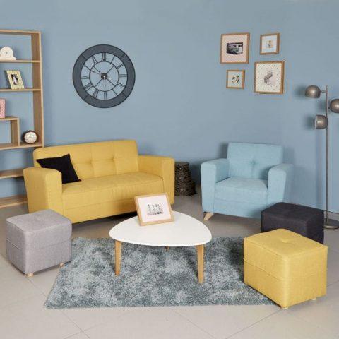 canapé jaune dans salon chic