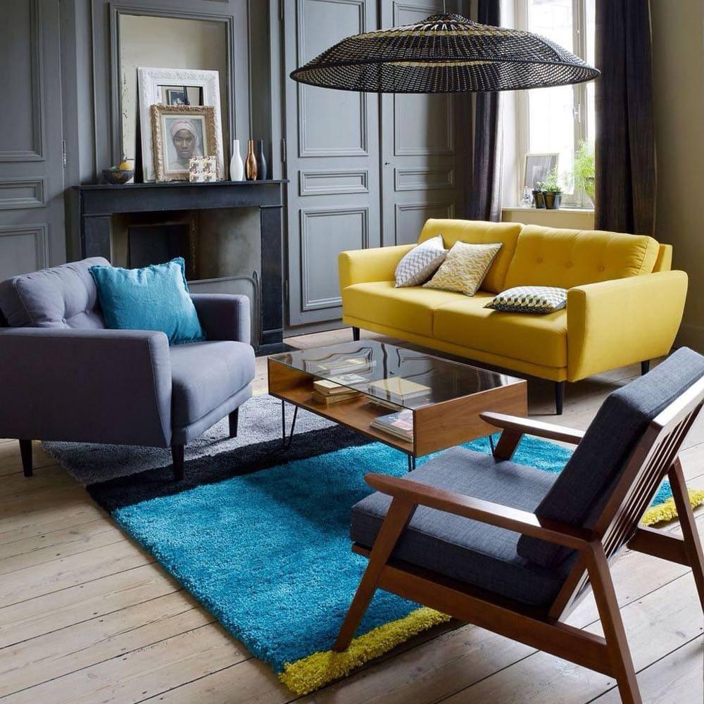 salon chic avec canap jaune de la redoute et fauteuils gris photos de canapes jaunes. Black Bedroom Furniture Sets. Home Design Ideas