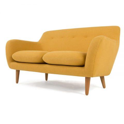 Idée de canapé jaune nordique avec pieds en bois